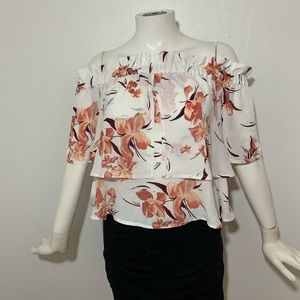 Leith | NWT off shoulder floral top